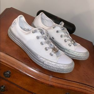 Miley Cyrus limited converse